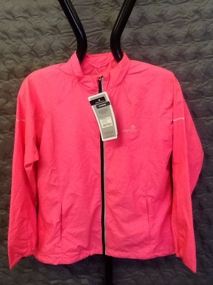 RONHILL WOMEN's pursuit jacket fluorescent pink 12