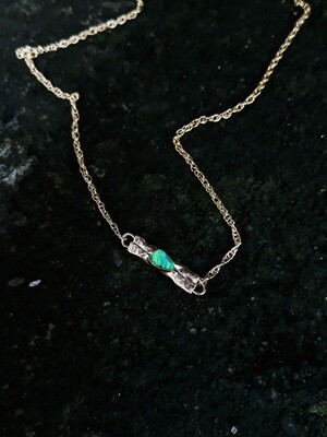 BABY FRACTURED OPAL NECKLACE GREEN