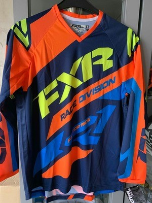 FXR shirt clutch