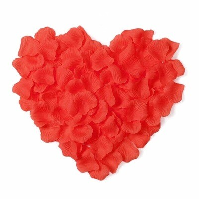 Лепестки роз. ( искусств.) красные