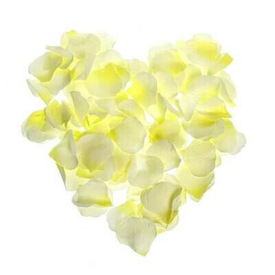 Лепестки роз. ( искусств.) лимонно - белые