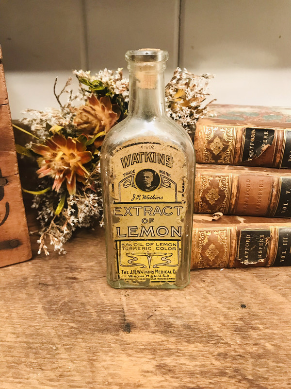 Watkins Lemon extract bottle