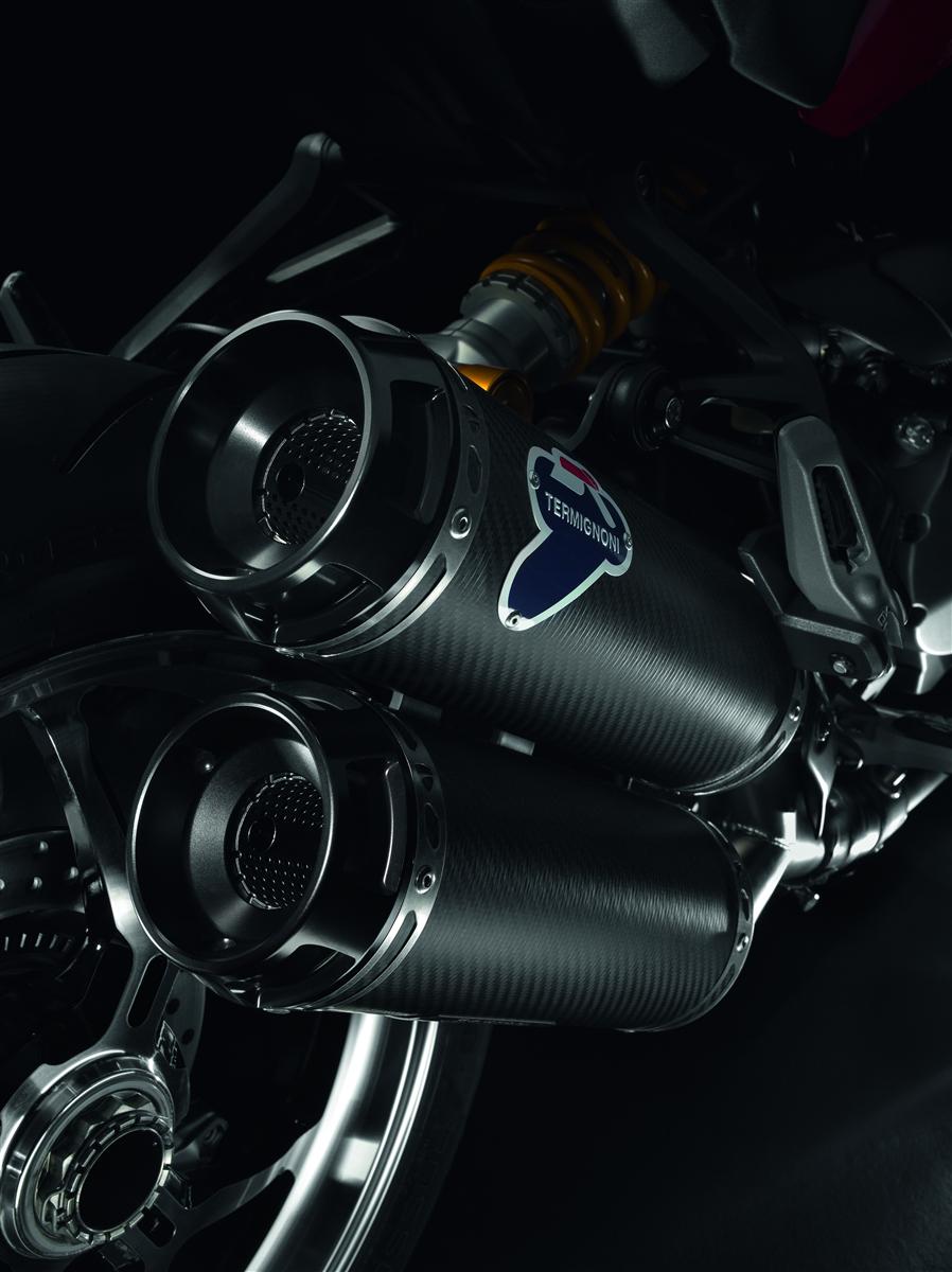 Carbon racing silencers. M1200