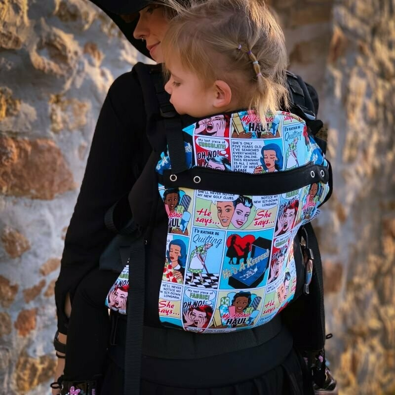 Comics Black buckle carrier