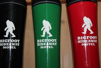 Bigfoot Hideaway Motel Logo Travel Mug