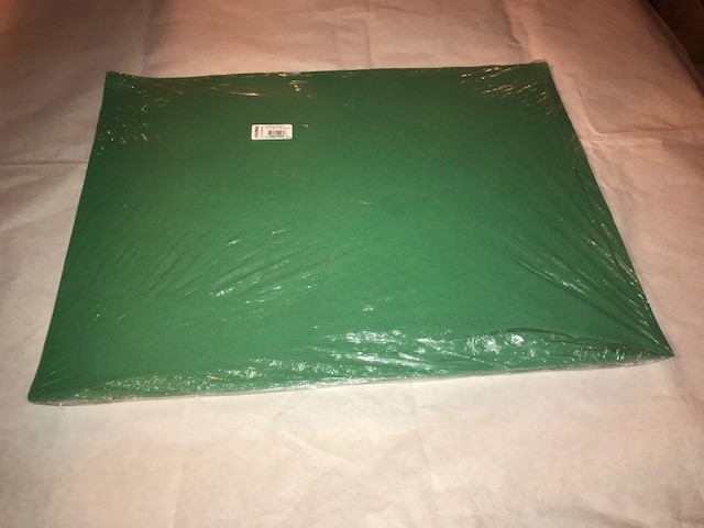 "Paper, Holiday Green, Construction, 18""x24"", 80#, 100% Vat Dyed Sulphite, 50sheets/package"