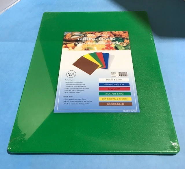 CUTTING BOARD GREEN 15X20
