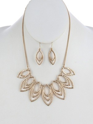 Mya Necklace Set