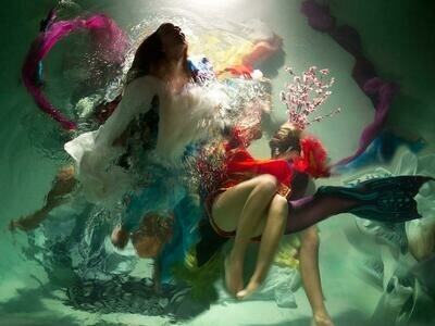 Baroque Underwater Photography 02 (Title unspecified)