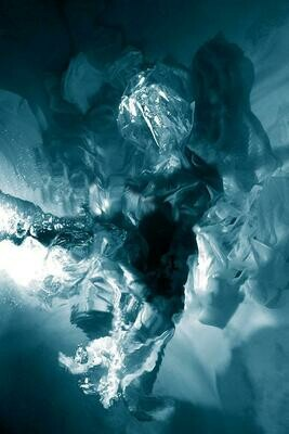 Baroque Underwater Photography 09 (Title unspecified)