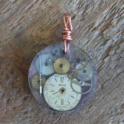 Steampunk Round Resin Pendant