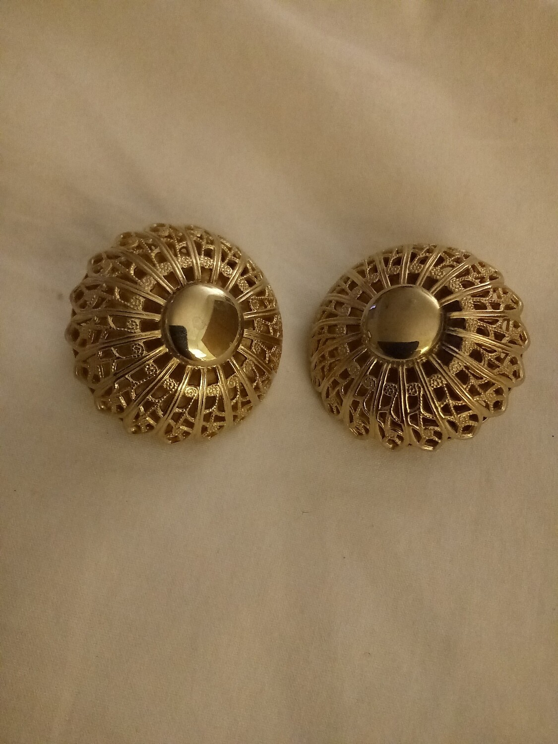 "Vintage 1"" Filigree Dome Clip Earrings"