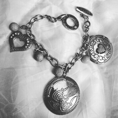 Guess Charm Bracelet Pre-owned Like New Perfect Christmas Gift
