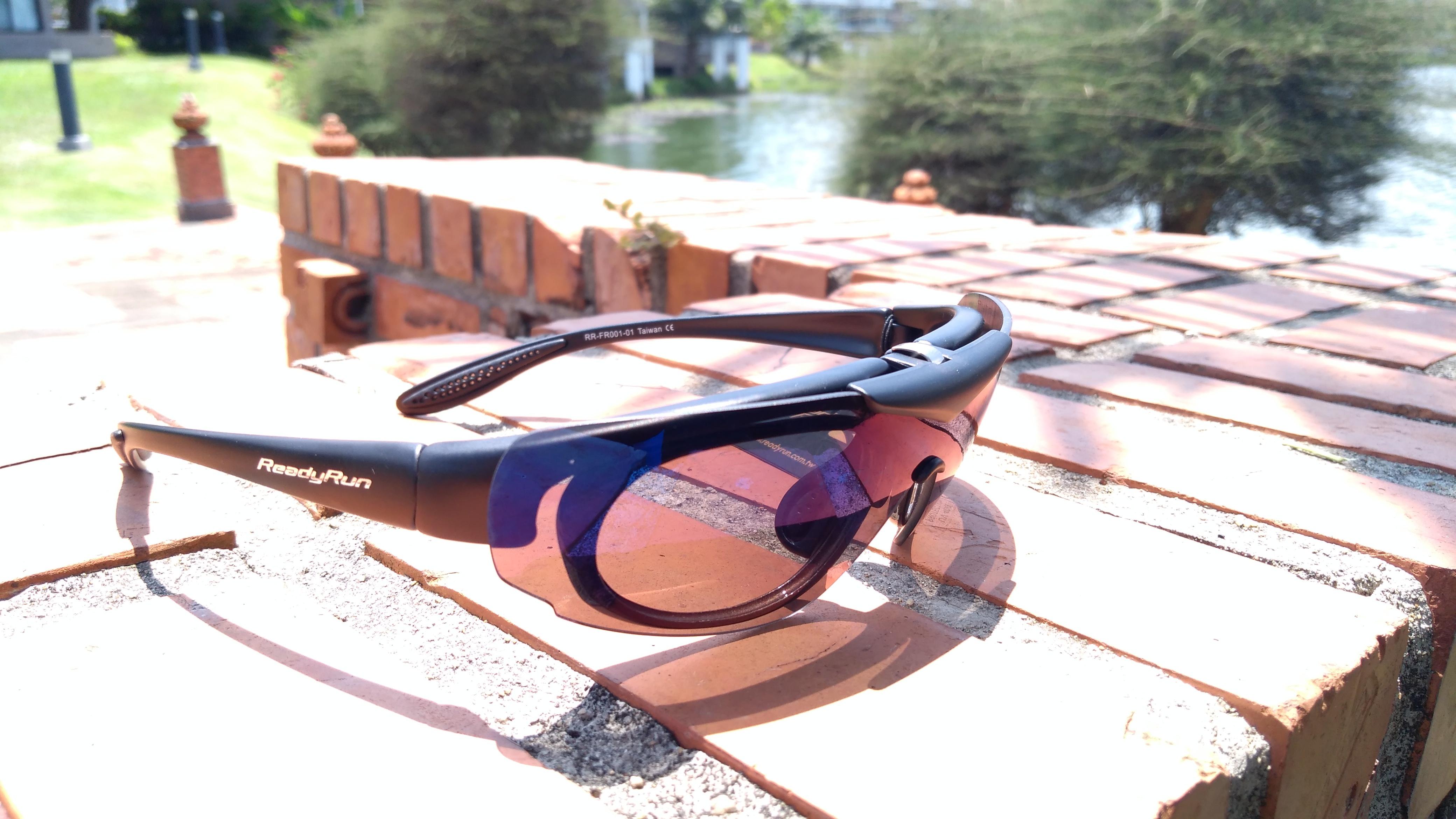 FR001-01 Frame Matt Black, Lenses Blue Mirror