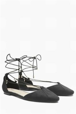 Lace up next ballerinas black