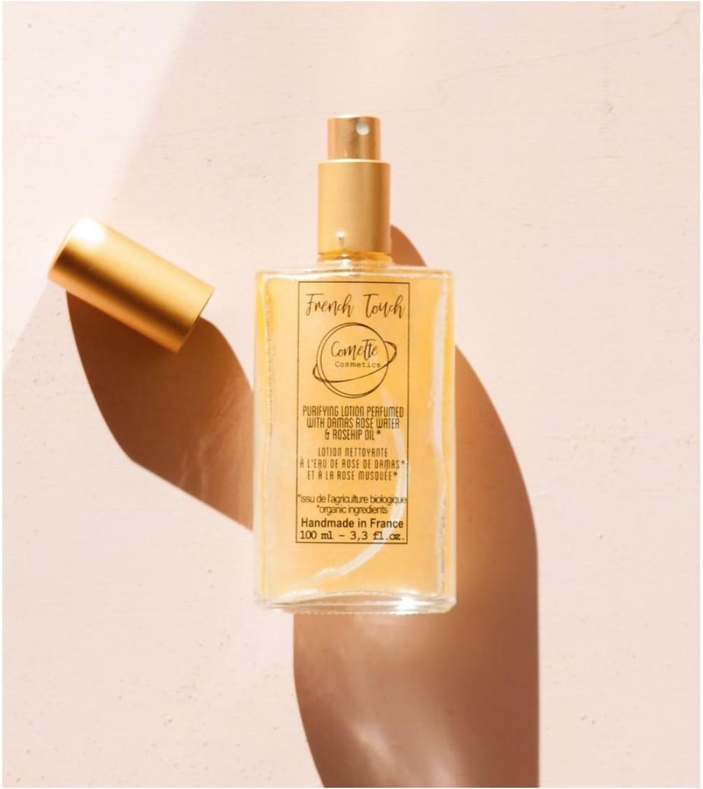 French Touch de Comette Cosmetics 01115