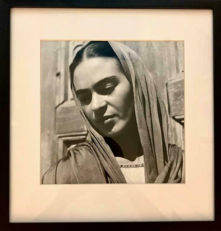 Fritz Henle - Frida with her Rebozo