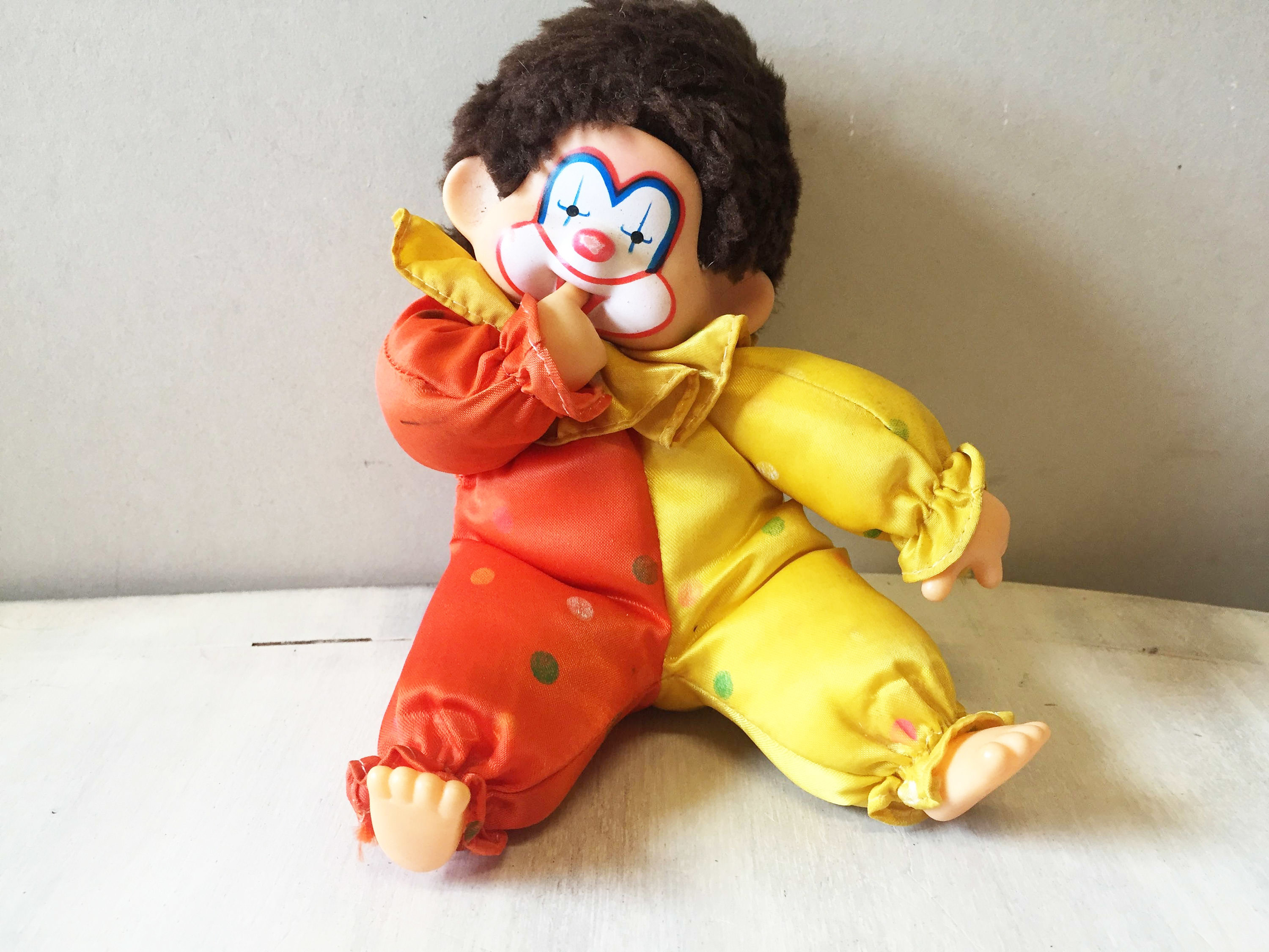 Corky clown Monchichi Monkey 00043