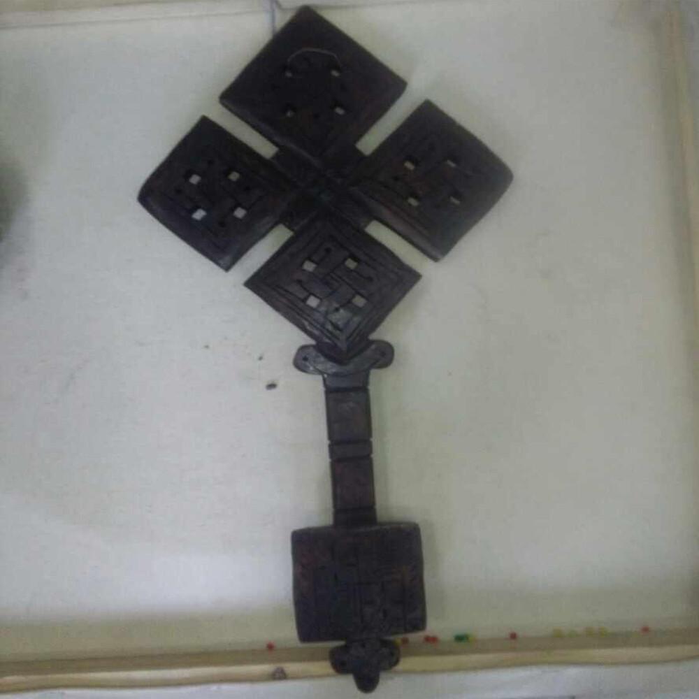 የእንጨት መስቀል Wood Cross