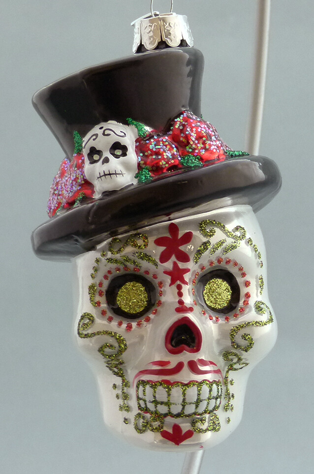 Day of the Dead Glass Skull -with Hat, gold Eyes