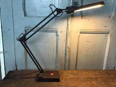 Bureaulampen afkomstig uit het leger