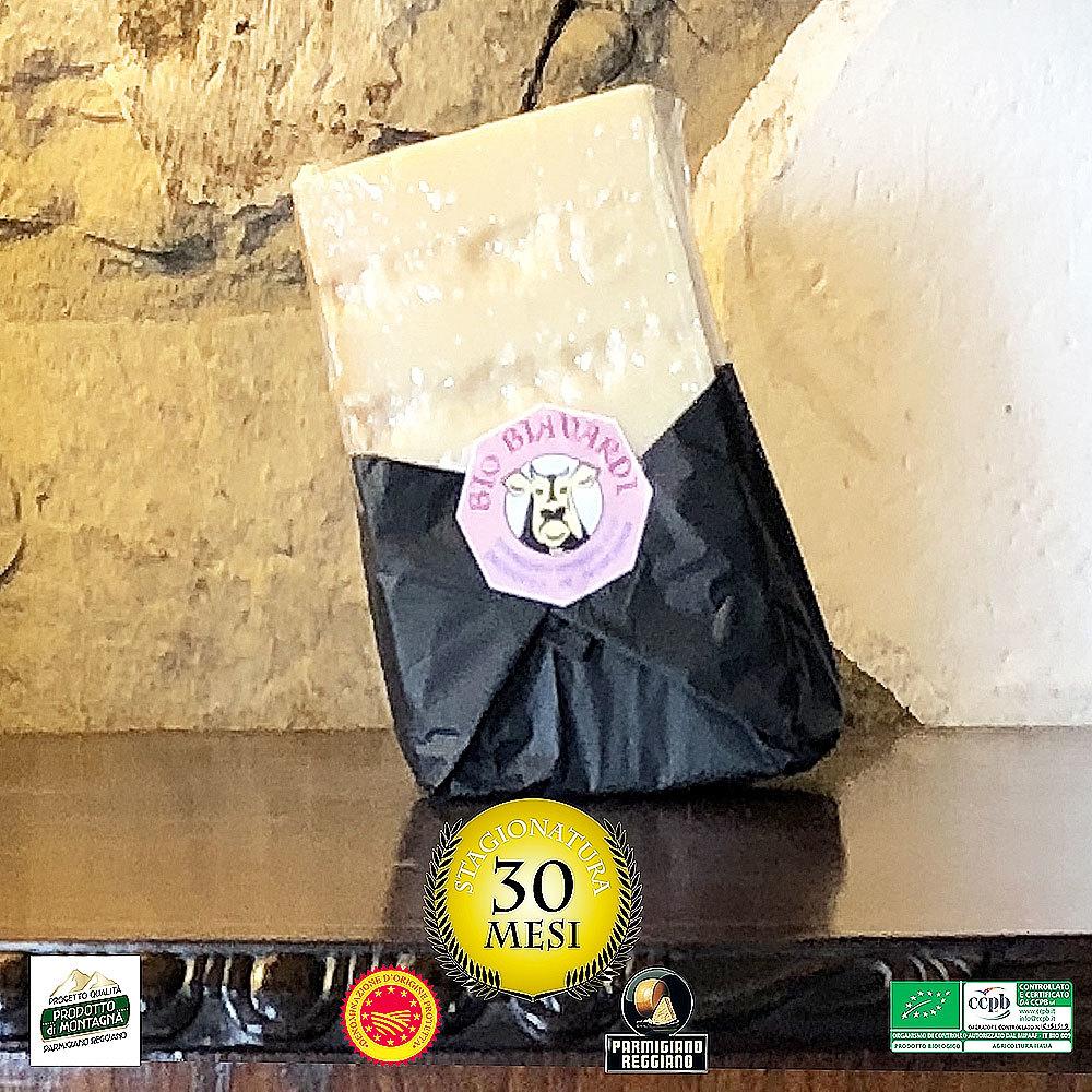 "Parmigiano Reggiano DOP BIO ""Prodotto di Montagna"" 30 mesi Kg1 0003"