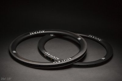 Avian Venatic Carbon Rims