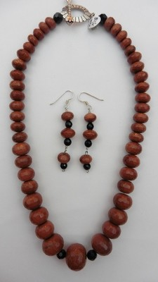 Brown Gold Stone & Onyx Necklace & Earring Set