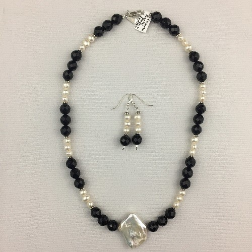 Onyx & Freshwater Pearl Necklace Set