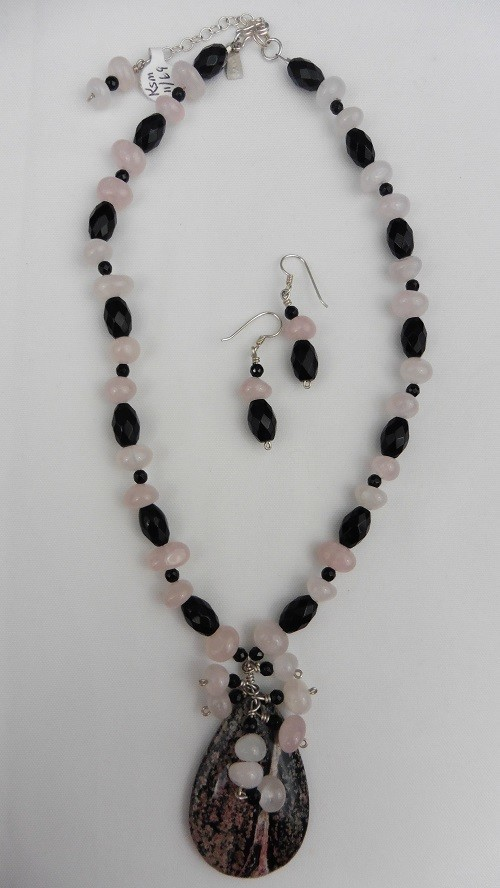 Rose Quartz & Black Onyx Necklace Set