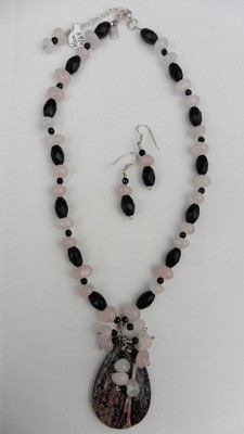 Rose Quartz & Black Onyx Necklace Set