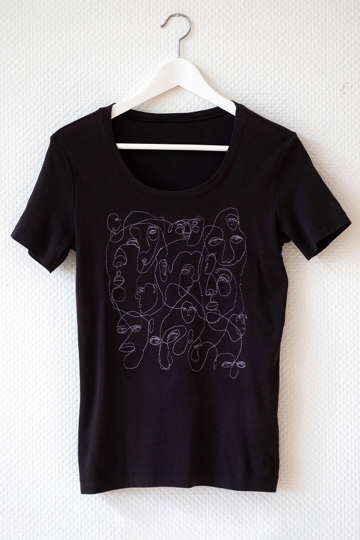 Women's SMALL Black T-shirt