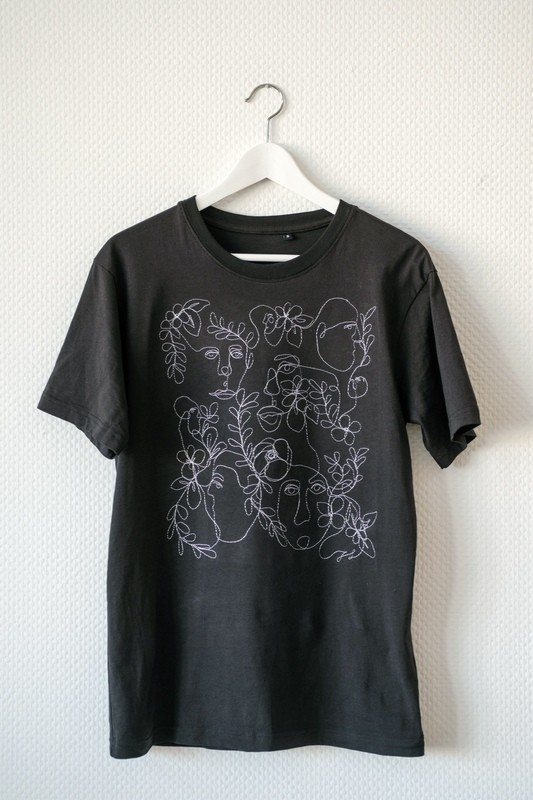 UNISEX  SMALL T-SHIRT