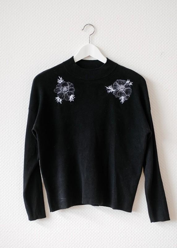 Women's X-SMALL Sweater