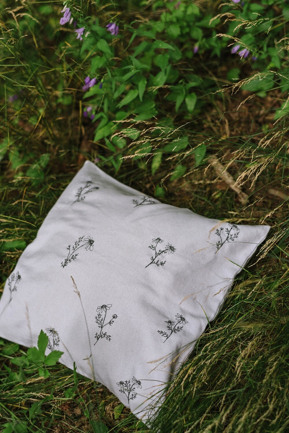 """""""Chamomille 2"""" Pillow Cover"""
