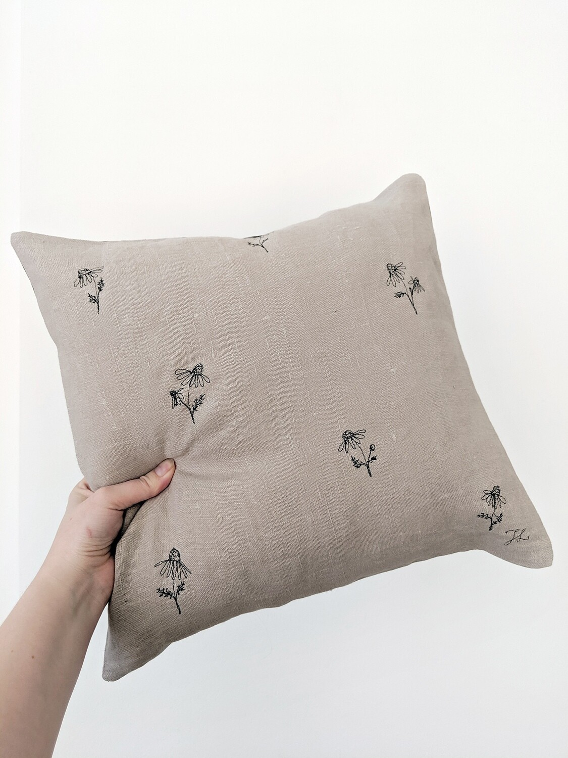 """""""Camomille"""" Pillow Cover"""