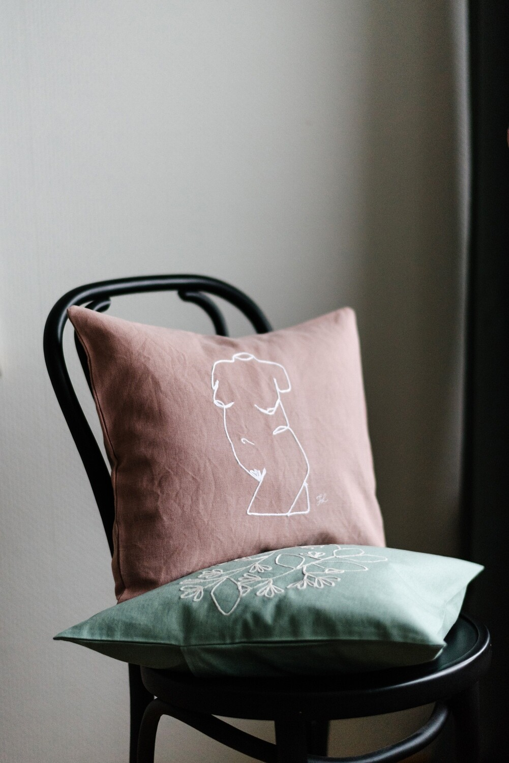 """""""Curves"""" Pillow Cover"""