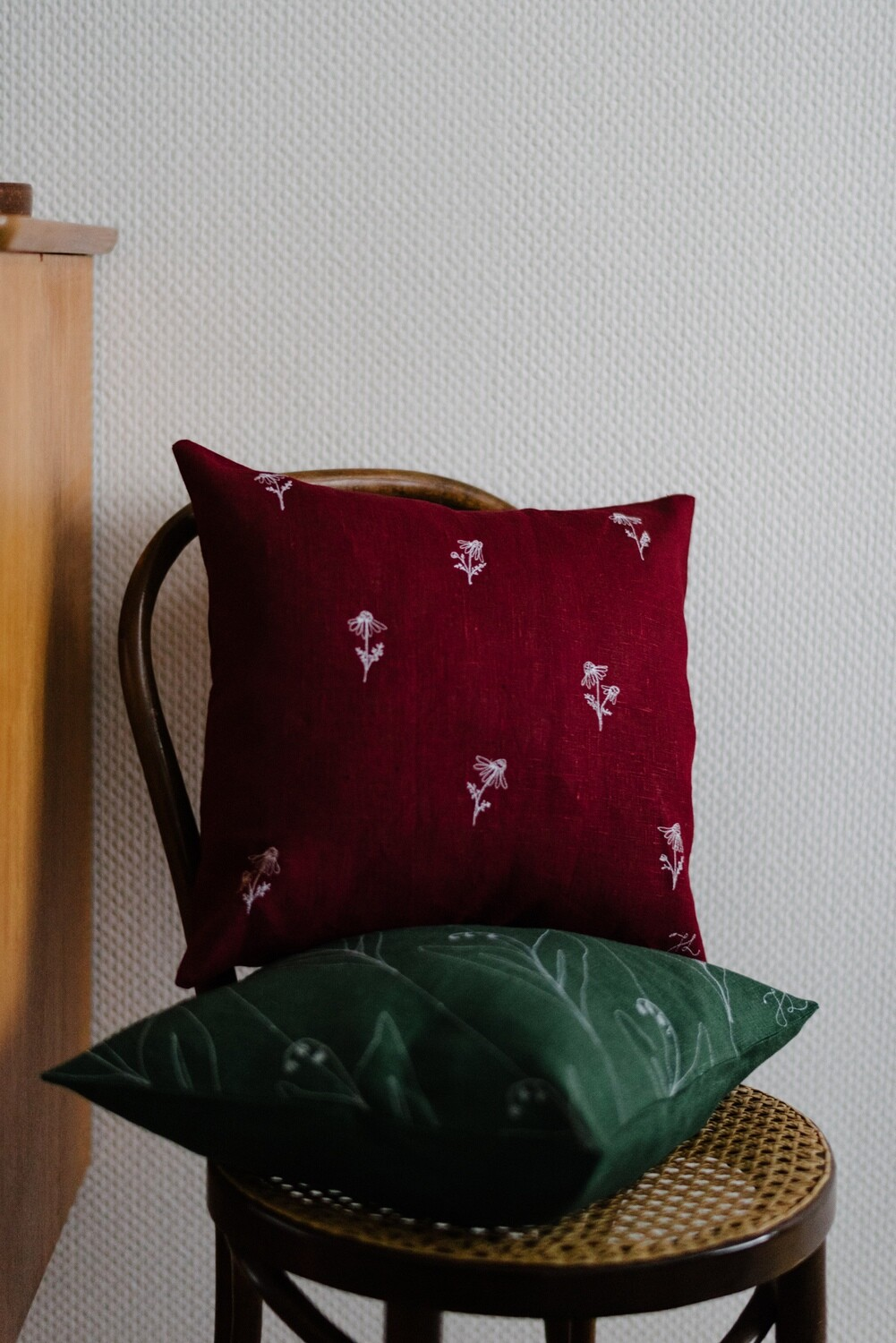 """""""Camomille"""" Burgundy Pillow Cover"""