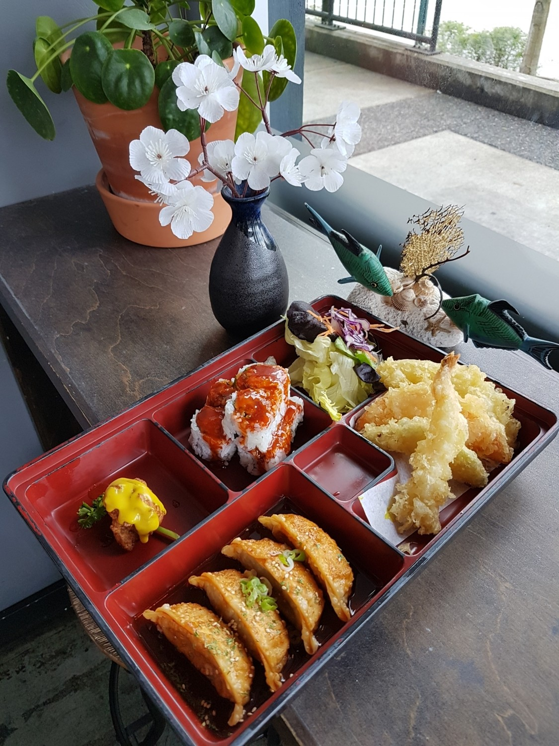 Spicy Gyoza Box