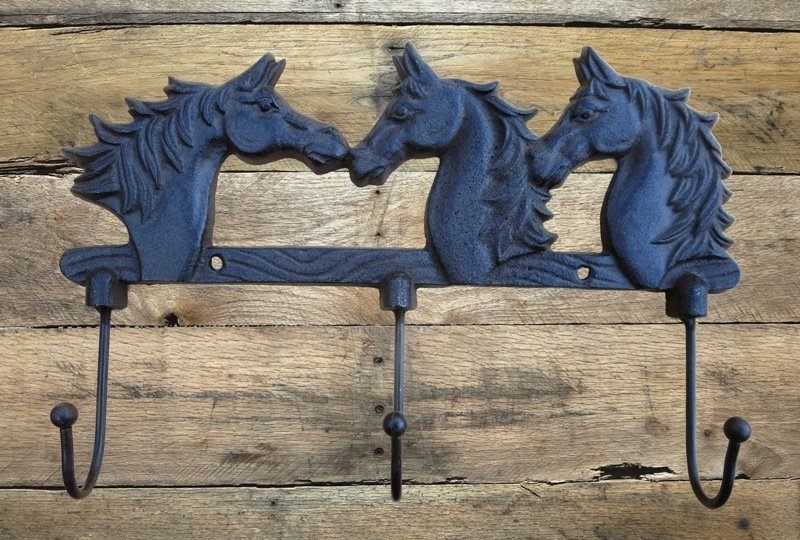 3 Horse Head 3 Hook ~ T1706