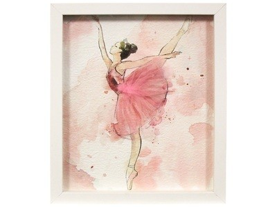 Framed En Pointe