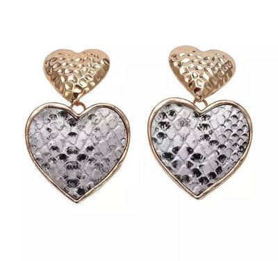 Kira Heart Earrings