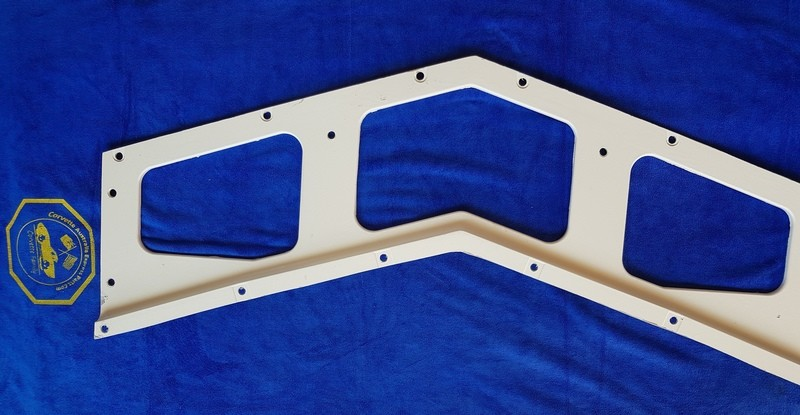 PANEL REAR LOWER INFILL-WITH SIDE EXHAUST -WITH EARS-HAND LAYUP-70-73 (#LEE15197) 3C1