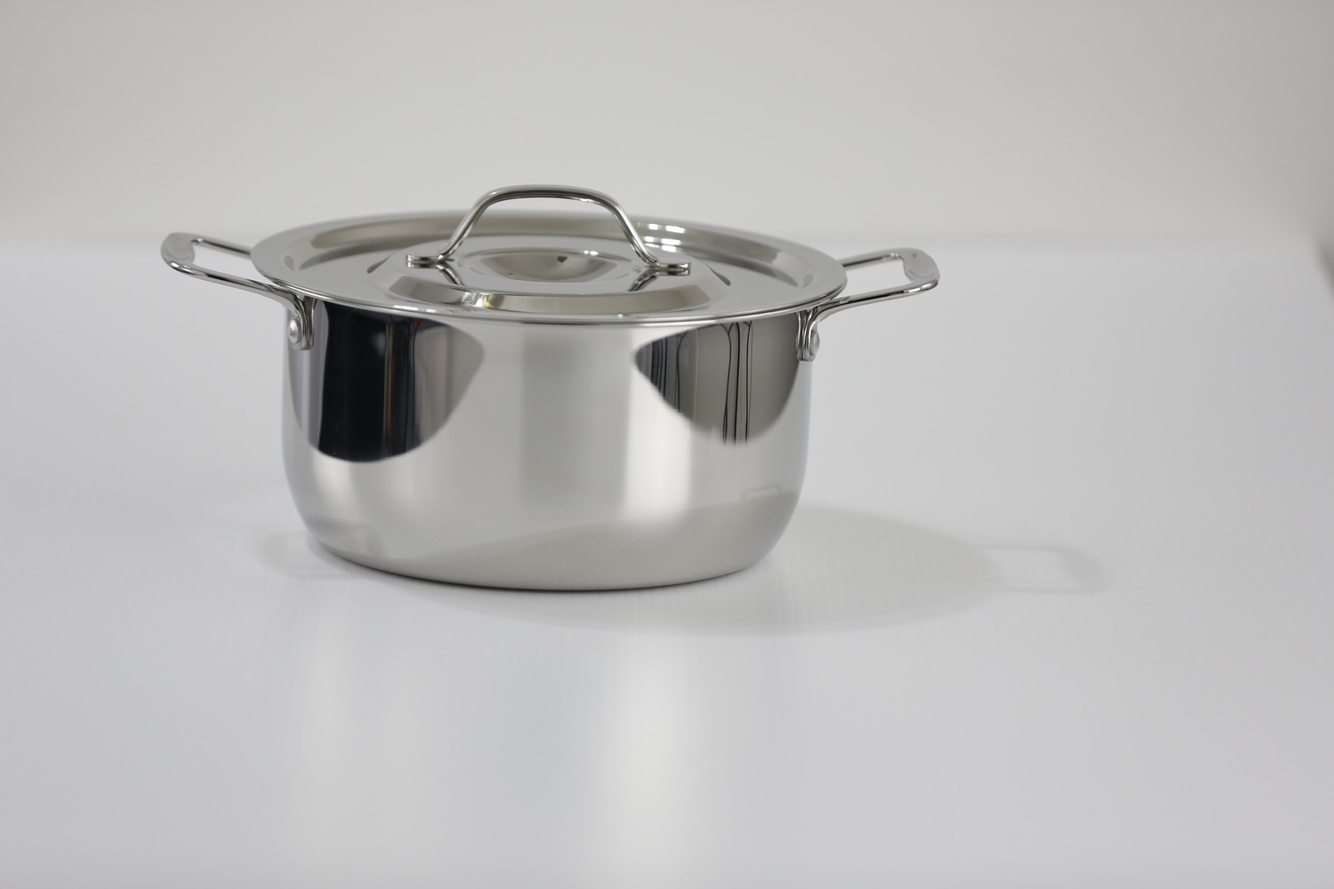 SS1 - 2.54 Qt. Stainless Steel Sauce Pot with Stainless Steel Cover