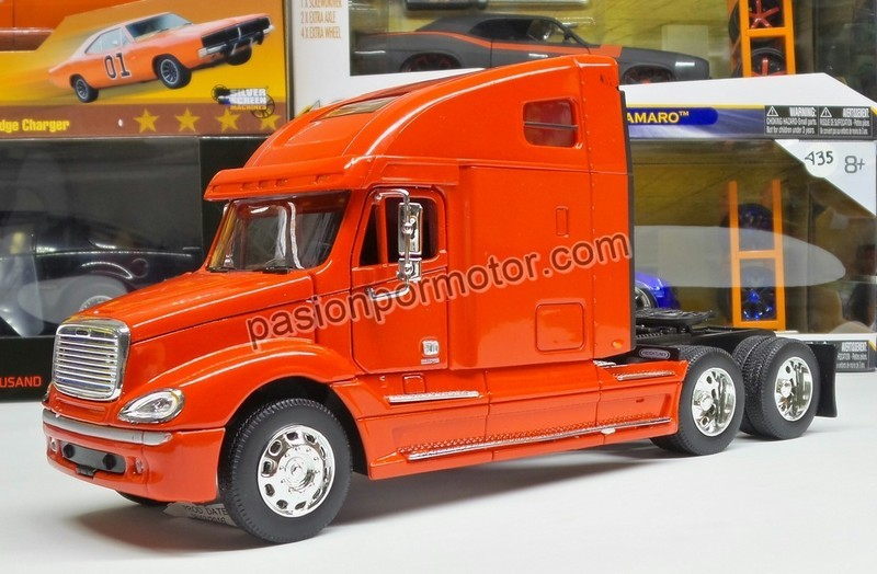 1:32 Freightliner Columbia Rojo Cabina Welly En Display / A Granel