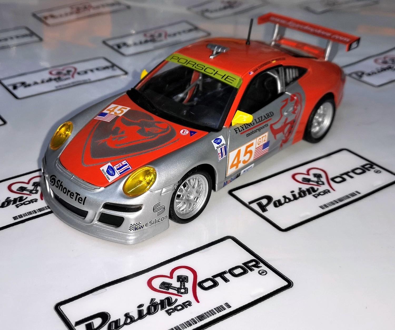 1:24 Porsche 911 Gt3 Rsr Flying Lizard Bburago En Display / A Granel