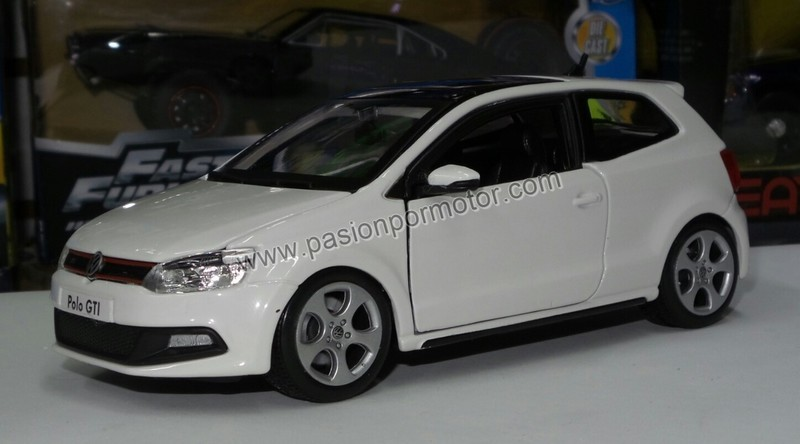 1:24 Volkswagen Polo GTi 2010 Blanco Bburago Burago En Display / A Granel