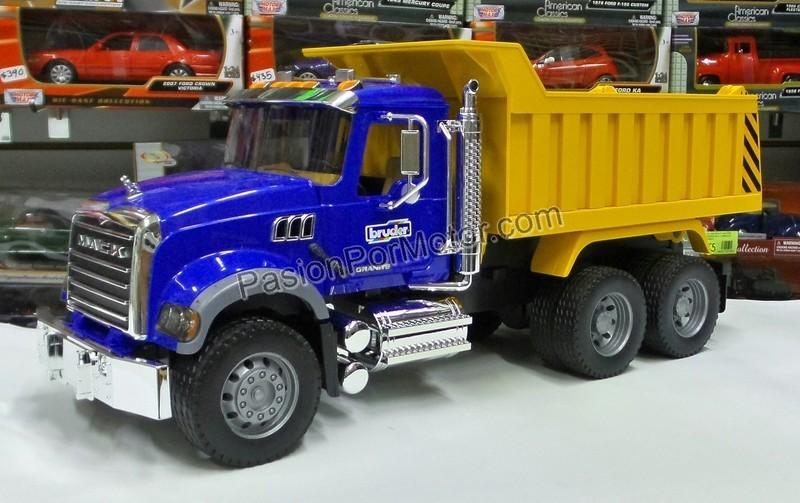 1:16 Mack Granite Torton Camion de Volteo Bruder