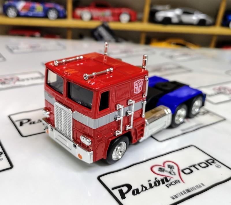 1:55 Freightliner Cab Over Optimus Prime Cabina Jada Toys Transformers En Display / A Granel