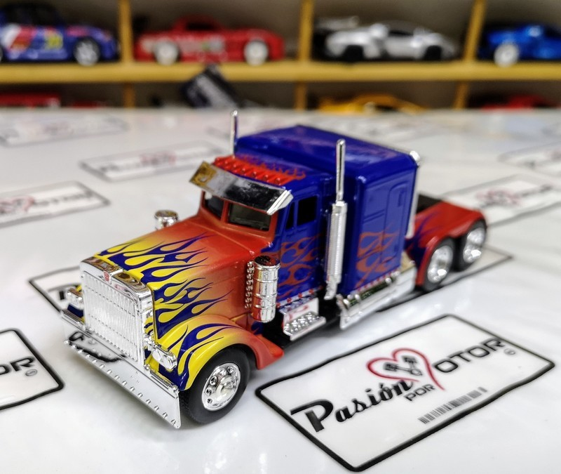 1:55 Peterbilt Optimus Prime Jada Toys  Transformers En Display / A Granel